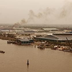 Khí thải từ khu công nghiệp