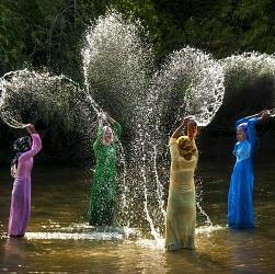 Lễ hội tát nước