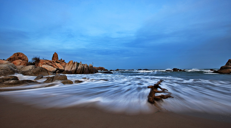 2015/November/539-the-deserted-beach-2-thumb1-9542-L_l.jpg