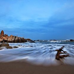 The deserted beach 2